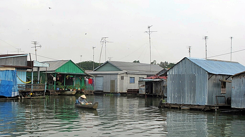 fish-farm-houses-mekong-delta-region