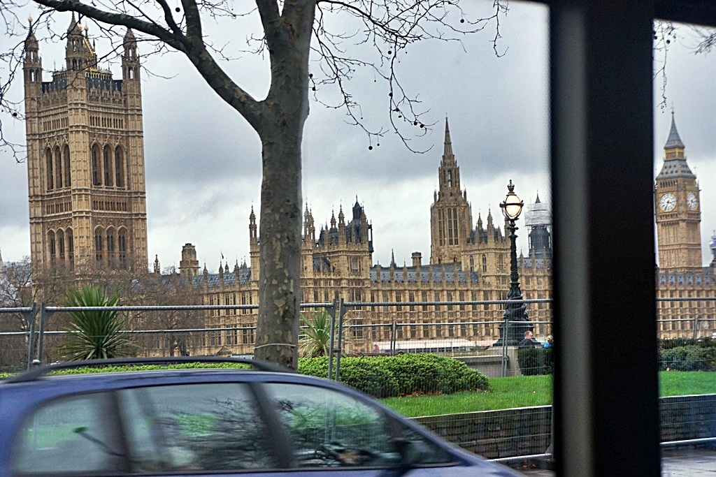 Parliament-big-ben-from-bus-london