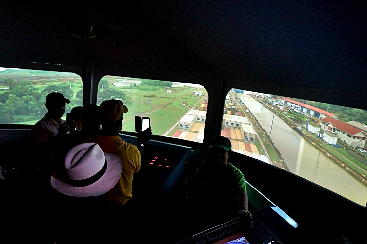 Virtual Ship Experience - Panama Canal